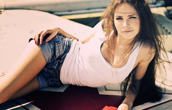Picture look, girl, pose, smile, sweetheart, brunette, lies, beautiful, white t-shirt, Yulianna Euphoria, dinavia shorts