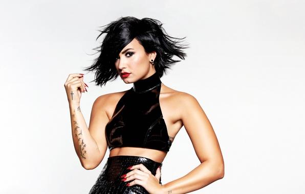 Picture look, piercing, singer, Demi Lovato