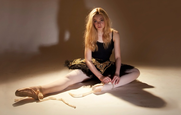 Picture ballerina, photoshoot, Pointe shoes, Elle Fanning