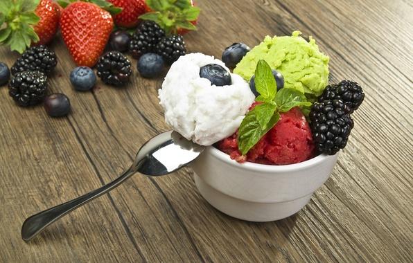 Picture balls, berries, blueberries, strawberry, spoon, ice cream, dessert, BlackBerry, cuts