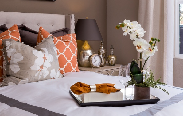 Picture watch, lamp, bed, pillow, Orchid, napkin, tray