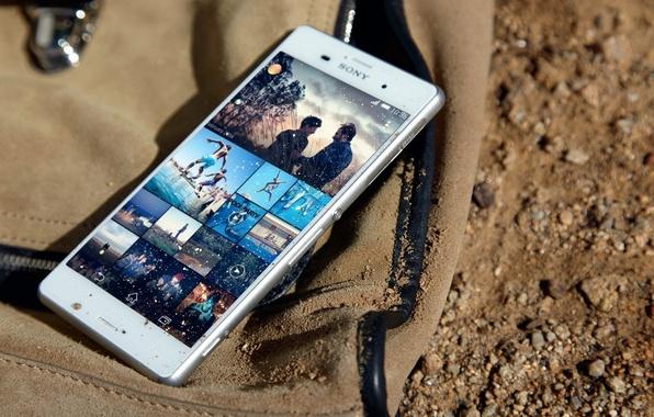 Резултат слика за smartphone in sand