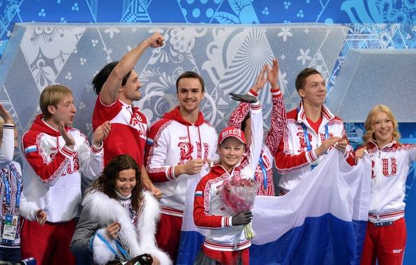 Picture victory, bouquet, flag, figure skating, skaters, team Russia, RUSSIA, Sochi 2014, Ksenia Stolbova, Maxim Trankov, …