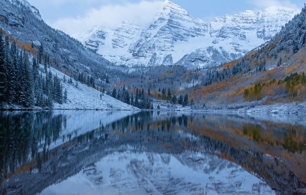 Picture frost, autumn, the sky, clouds, snow, trees, mountains, lake
