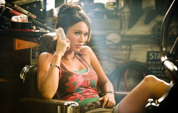 Picture girl, transformers, actress, brunette, phone, bracelet, megan fox, Megan Fox, Transformers, Michaela, Transformers: revenge of …