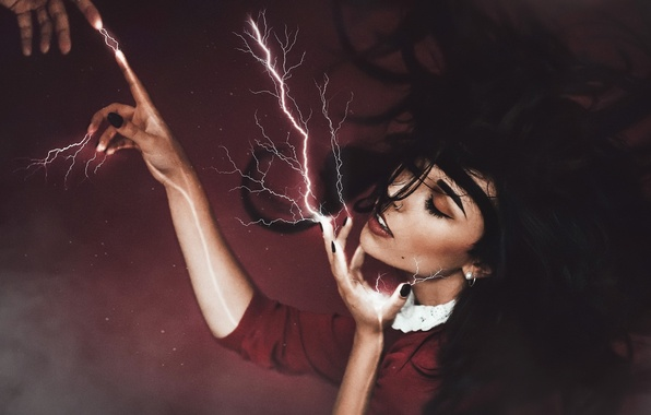 Picture girl, lightning, smote