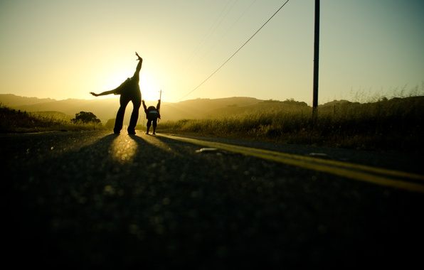 Picture road, the sky, the sun, light, the way, mood, road, hands, dad