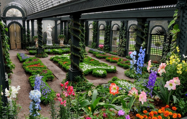 Picture flowers, statue, beds, greenhouse