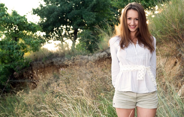 Picture Girl, Look, Smile, Model, Face, Day, Brunette, Standing, Shaina