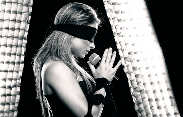 Picture girl, headband, microphone, Song