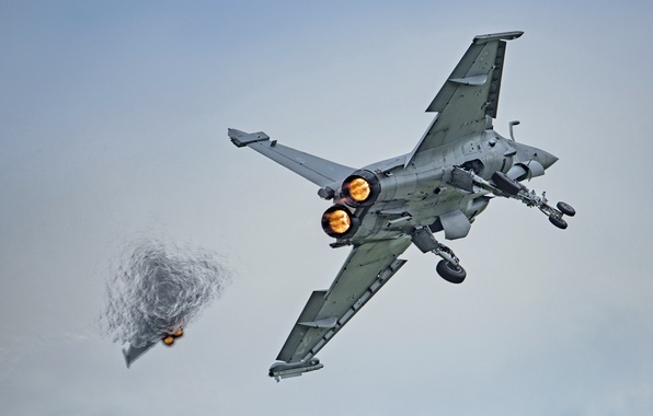 Picture the sky, weapons, the plane, Rafale M
