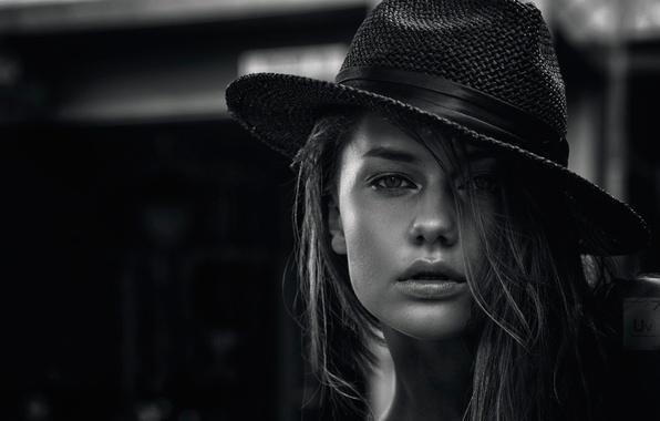 Picture portrait, hat, Bridget Maldutytė