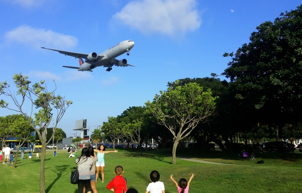 Picture The sky, Clouds, Trees, Summer, People, Park, Boeing, Clouds, Sky, Boeing, Park, 300, Airlines, 777, …