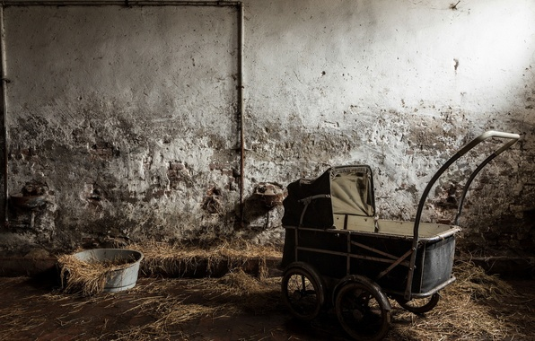 Picture room, hay, stroller
