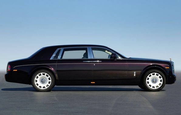 Photo wallpaper Rolls-Royce, the sky, limousine, molding