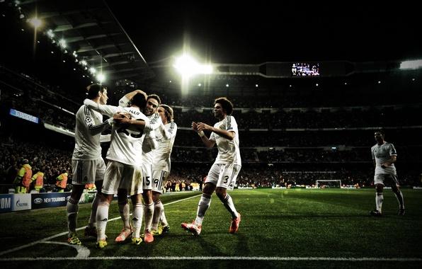 Wallpaper wallpaper, sport, stadium, football, Santiago Bernabeu, Real Madrid CF, players images for desktop, section спорт - download