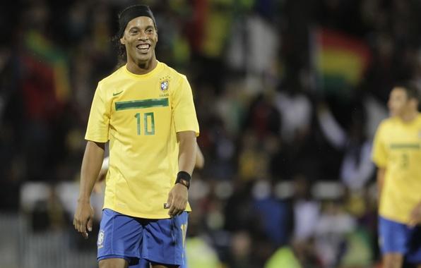 Picture football, football, brazil, ronaldinho, ronaldinhio, football Wallpaper