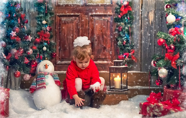 Picture snow, children, toys, tree, new year, candle, girl, lantern, gifts, snowman, bow, coat
