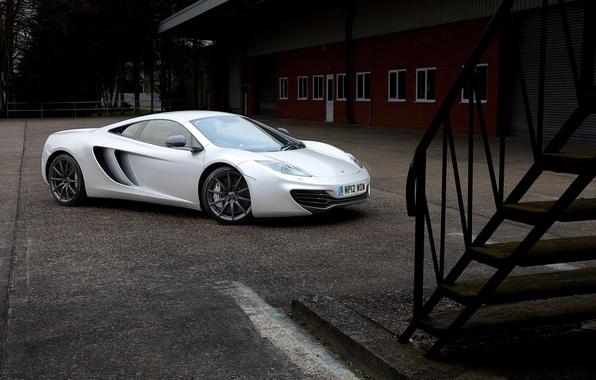 Picture the building, Windows, McLaren, silver, the door, McLaren, ladder, side view, MP4-12C, silvery, black rims