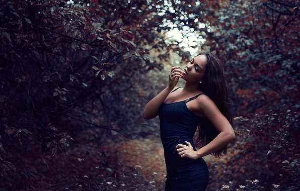 Picture in the garden, Martin Brest, photographer, dark, lips, beauty, face
