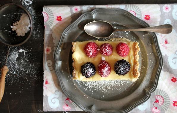 Picture berries, raspberry, plate, pie, spoon, dessert