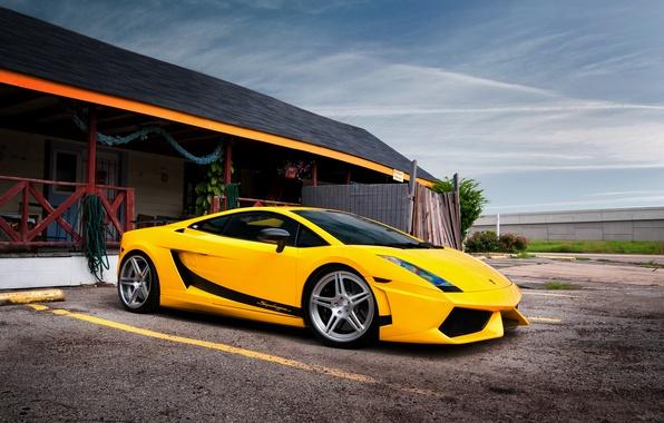 Picture the building, garage, Lamborghini, Superleggera, Gallardo, yellow, Lamborghini, yellow, Lamborghini, Gallardo, Superleggera