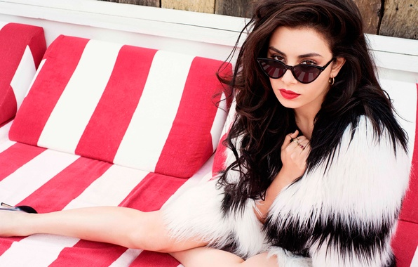 Picture House, songwriter, British singer, synth-pop, Charli XCX, Charlotte Emma Aitchison, Charlotte Emma, Atchison