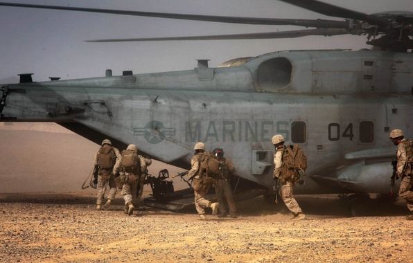 Picture desert, soldiers, helicopter, military, Sikorsky, transport, heavy, Marines, CH-53, Sea Stallion