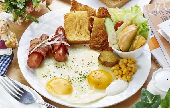 Picture sausage, corn, Breakfast, scrambled eggs, bacon, salad, potatoes, toast