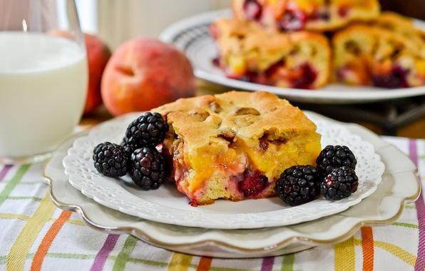 Picture berries, milk, pie, plates, BlackBerry