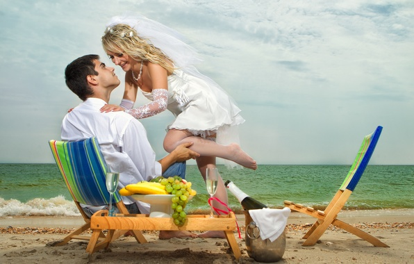 Picture sea, beach, girl, smile, glass, chairs, grapes, bananas, guy, the bride, veil, the groom