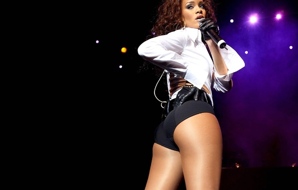 Picture look, model, actress, microphone, singer, Rihanna