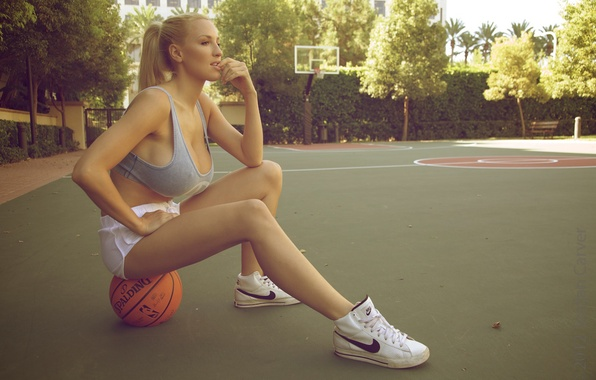Picture the ball, blonde, basketball, basketball, sneakers, big Breasts, Nike, nike, Jordan Carver, playground, blonde, ball, …