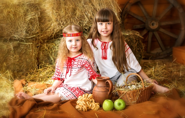 Picture summer, childhood, basket, hair, apples, girls, eggs, wheel, village, pitcher, the barn, smile, costumes, drying