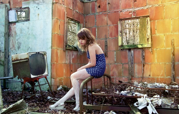 Picture girl, house, mood, ruins