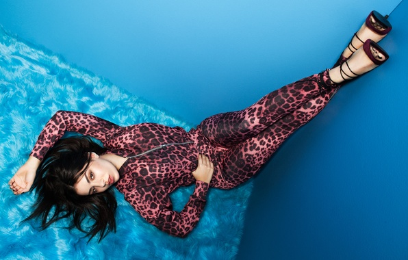 Picture brunette, photographer, singer, photoshoot, Charli XCX, Boohoo, Diamond Wright