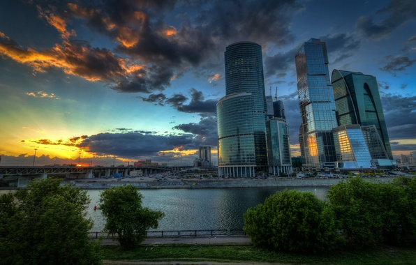 Picture clouds, trees, sunset, machine, bridge, river, Moscow, promenade, skyscrapers, capital, Moscow-City, Moscow-City