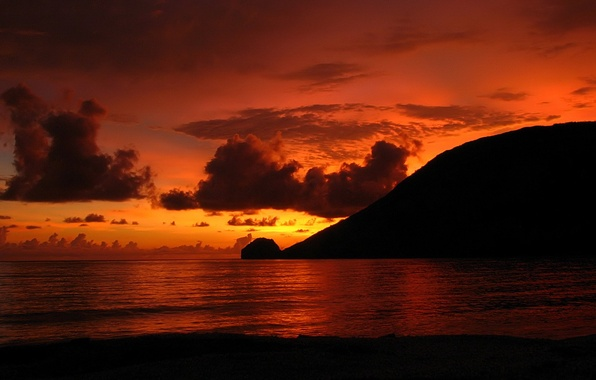 Picture clouds, sunset, shore, glow