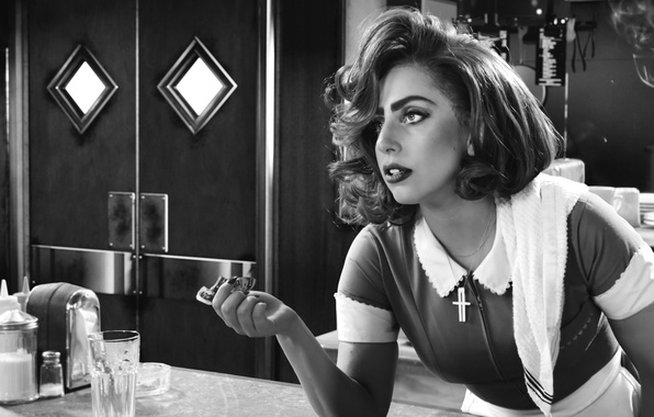 Picture Woman, Lady GaGa, Sin City:A Dame to Kill For, worth killing, Bertha