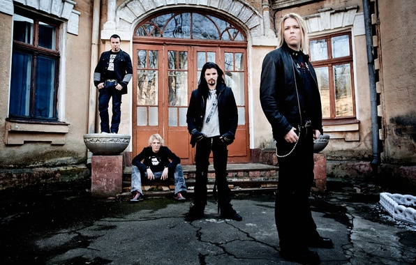 Picture the building, rock, symphony, Perttu, Kivilaakso, Eicca Toppinen, Mikko Siren, Apocalyptica, Paava Lotjonen