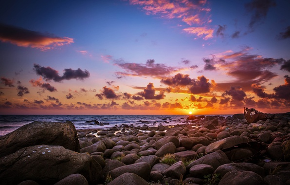 Picture sea, beach, the sun, stones, dawn, morning
