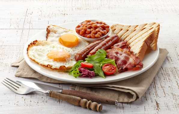 Picture sausage, plate, knife, plug, scrambled eggs, tomatoes, bacon, toast, beans