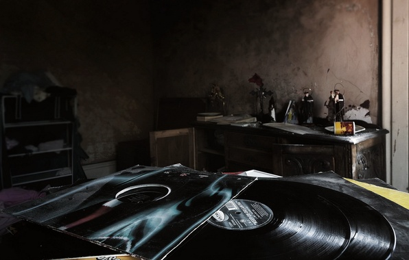 Picture room, vinyl, records