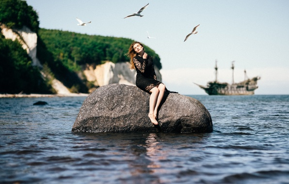 Picture girl, rock, pirates, ship, seagulls