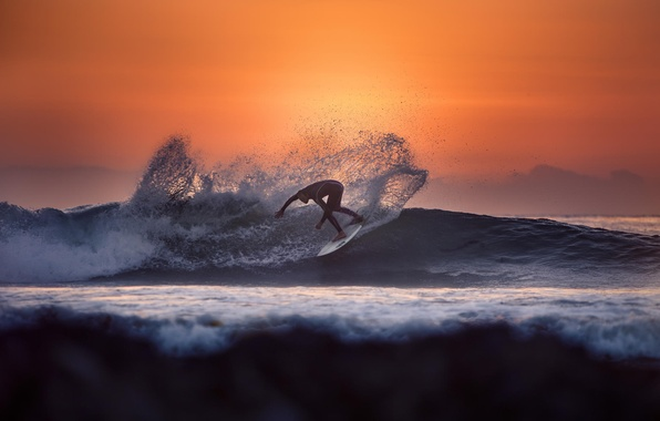 Picture wave, water, the sun, sunset, squirt, the ocean, sport, surfing, guy, California