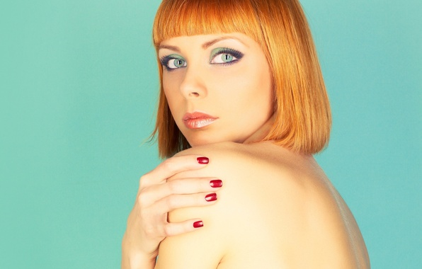 Picture look, girl, face, background, haircut, back, hands, red hair, green eyes, bangs