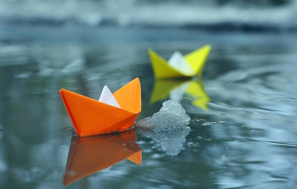 Picture water, paper, boats