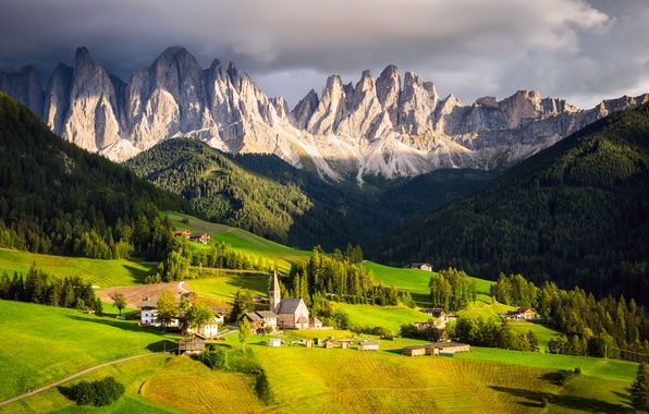 Picture the sky, clouds, light, mountains, clouds, home, valley, Alps, Italy, Church, chapel
