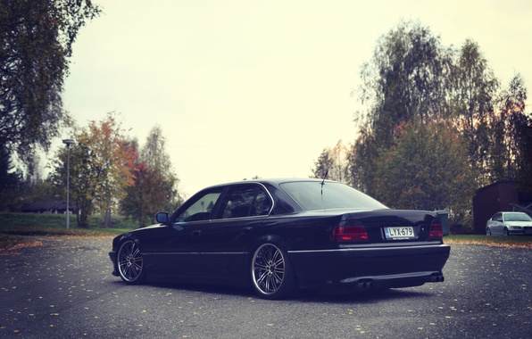Picture autumn, lights, tuning, bmw, BMW, 740, stance, E38