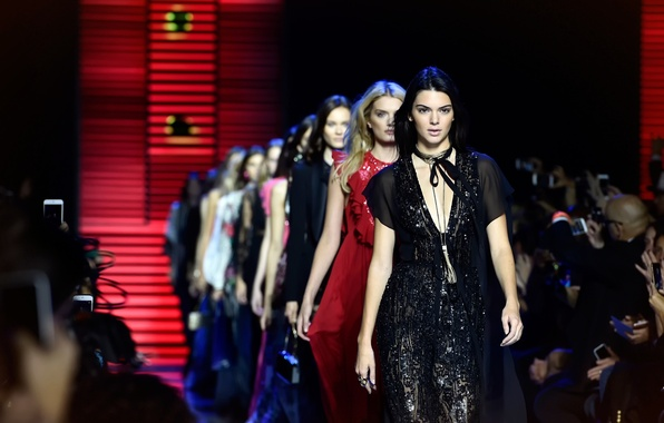 Picture model, the show, Kendall Jenner, Kendall Jenner, Paris Fashion Week